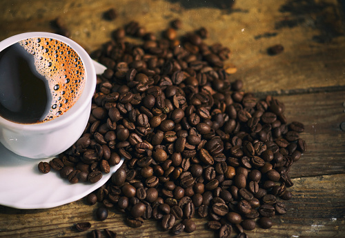 Coffee - Drink「Cup of coffee and coffee beans」:スマホ壁紙(15)