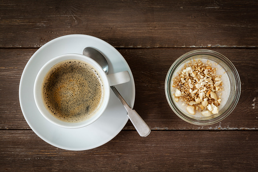 Granule「Cup of coffee and glass of vegan cocos pudding with banana and tapioca granules」:スマホ壁紙(3)