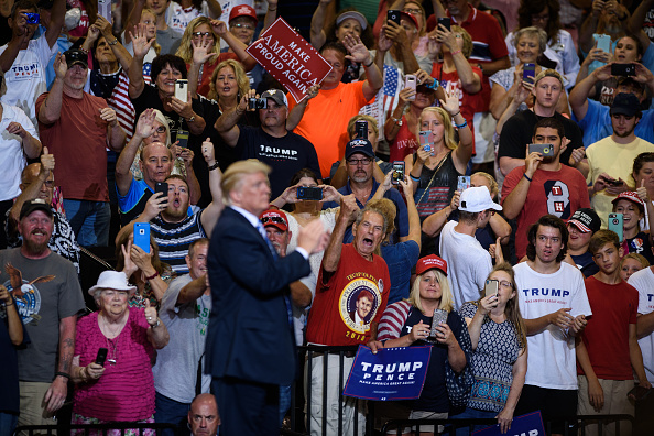Huntington - West Virginia「President Trump Holds Rally In Huntington, West Virginia」:写真・画像(19)[壁紙.com]