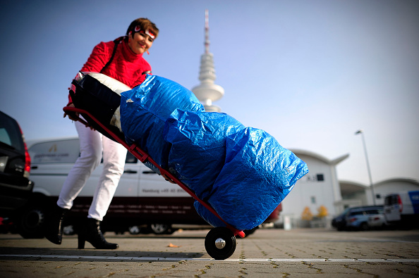 Hamburg - Germany「Volunteers Gather Donations For Migrants」:写真・画像(13)[壁紙.com]