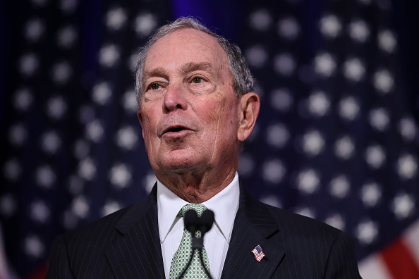 Presidential Candidate「Democratic Presidential Candidate Mike Bloomberg Meets Voters And Elected Officials In Norfolk, Virginia」:写真・画像(6)[壁紙.com]