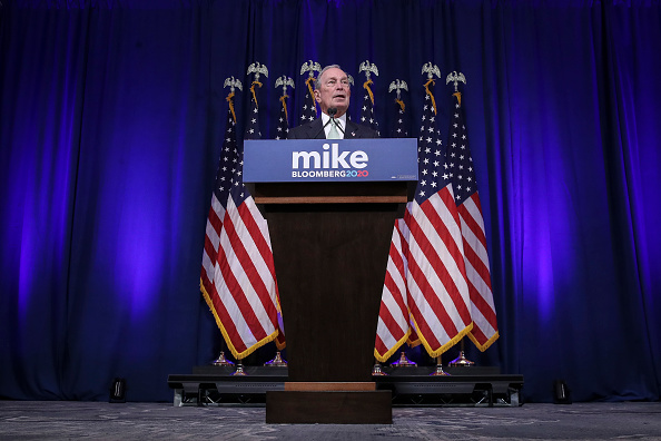 Presidential Candidate「Democratic Presidential Candidate Mike Bloomberg Meets Voters And Elected Officials In Norfolk, Virginia」:写真・画像(11)[壁紙.com]