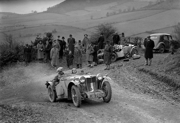 Country Road「MG PB of EJ Haesendonck of the Cream Cracker Team at the MG Car Club Midland Centre Trial, 1938」:写真・画像(15)[壁紙.com]