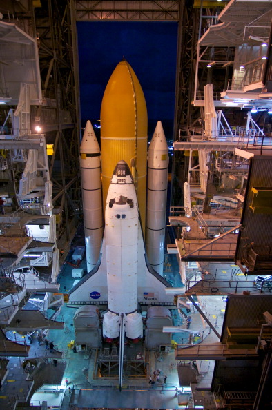 Vehicle Assembly Building「Final Space Shuttle Rolls Out To Launch Pad」:写真・画像(7)[壁紙.com]
