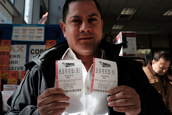 Winning「Record Mega Millions Jackpot Nears $1 Billion」:写真・画像(19)[壁紙.com]