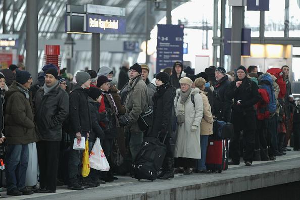 鉄道・列車「Winter Hits Germany」:写真・画像(1)[壁紙.com]