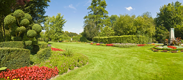 Wide Angle「Gorgeous garden green grass」:スマホ壁紙(16)