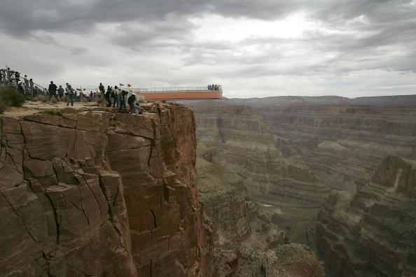 "Arizona「Grand Canyon's New ""Skywalk"" Opens With Grand Ceremony」:写真・画像(16)[壁紙.com]"