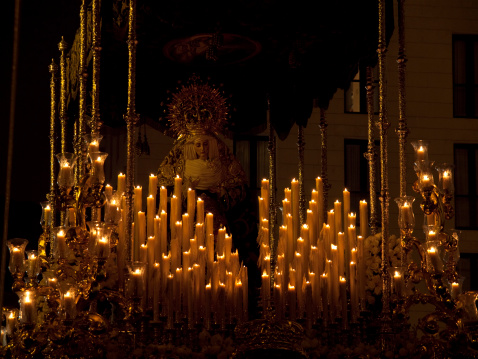 Parade「Candlelit Sculpture of the Virgin Mary」:スマホ壁紙(9)