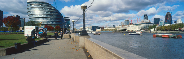 Footpath「City Hall and River Thames, London, UK」:写真・画像(16)[壁紙.com]