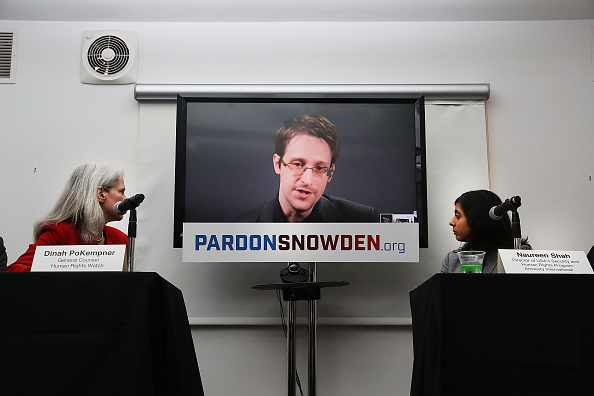 Privacy「Edward Snowden Speaks Via Video Conference At Launch Of Campaign Calling On Obama To Pardon Him」:写真・画像(15)[壁紙.com]