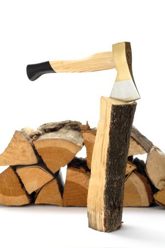 Log「Axe and firewood, close-up」:スマホ壁紙(1)