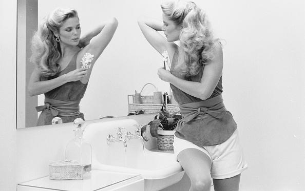 Fashion Model「Christie Brinkley Shaves」:写真・画像(11)[壁紙.com]