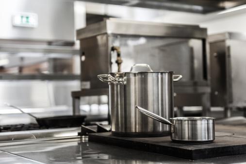 Commercial Kitchen「Pots standing on hotplate」:スマホ壁紙(12)