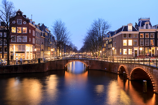 North Holland「Night city view in Amsterdam, Netherlands」:スマホ壁紙(17)