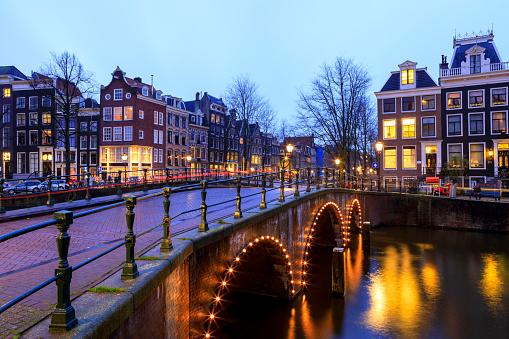 Amsterdam「Night city view in Amsterdam, Netherlands」:スマホ壁紙(11)