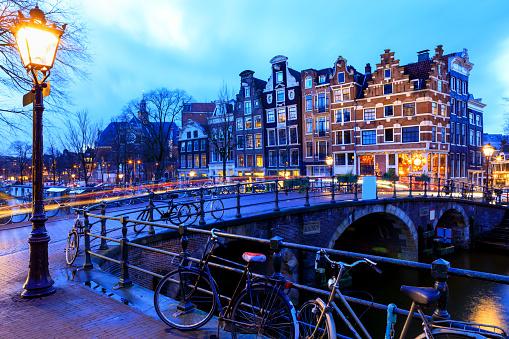 Amsterdam「Night city view in Amsterdam, Netherlands」:スマホ壁紙(7)