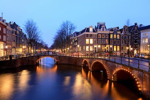 Amsterdam「Night city view in Amsterdam, Netherlands」:スマホ壁紙(12)