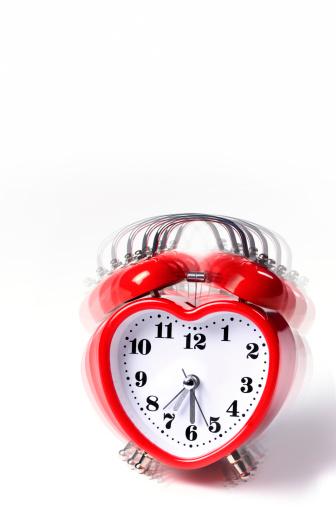 Bell「Vibrating heart shaped alarm clock」:スマホ壁紙(6)