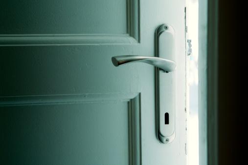 Basement「Dark door with blue-green glow behind」:スマホ壁紙(16)