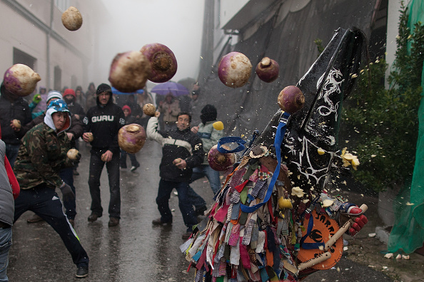 Turnip「Jarramplas Festival Held In Piornal」:写真・画像(16)[壁紙.com]