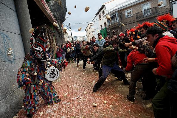 Turnip「Jarramplas Festival Held In Piornal」:写真・画像(2)[壁紙.com]