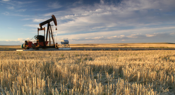 Oil Industry「Prairie Pumpjack in Alberta Oil Industry」:スマホ壁紙(1)