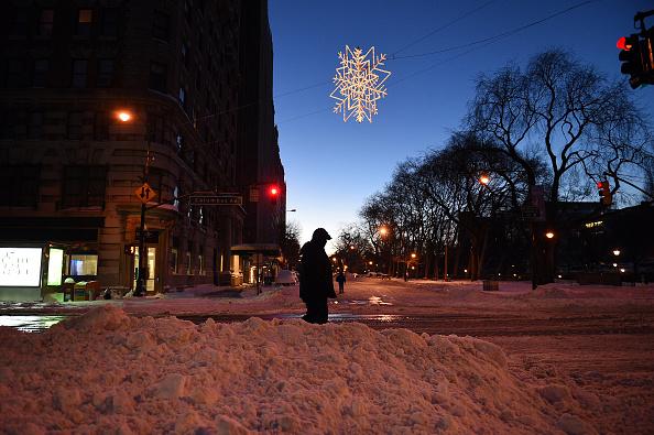 2016 Winter Storm Jonas「Huge Snow Storm Slams Into Mid-Atlantic States」:写真・画像(11)[壁紙.com]