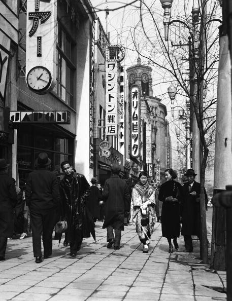 Charles Phelps Cushing「Shopping in Ginza」:写真・画像(6)[壁紙.com]