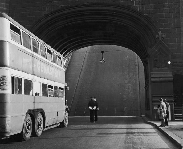 Double-Decker Bus「End Of The Road」:写真・画像(3)[壁紙.com]