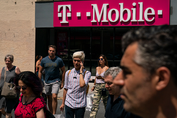 Wireless Technology「T-Mobile And Sprint Merger Approved By Justice Department」:写真・画像(19)[壁紙.com]