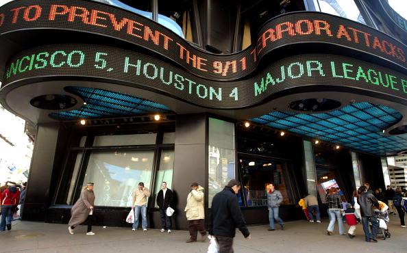 Mario Tama「Times Square Turns 100」:写真・画像(11)[壁紙.com]