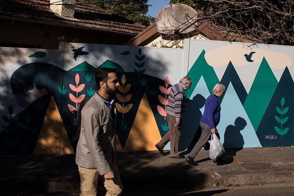 絵「Street Artists Use Suburban Walls As Canvas For Perfect Match 2017」:写真・画像(6)[壁紙.com]