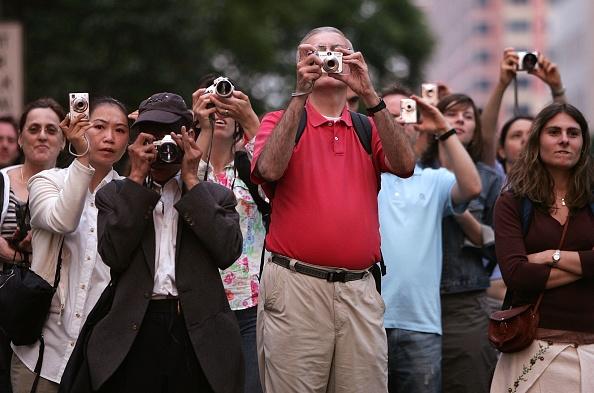 "Photography Themes「Sun Aligns With City Streets In ""Manhattan-henge"" Phenomenon」:写真・画像(1)[壁紙.com]"