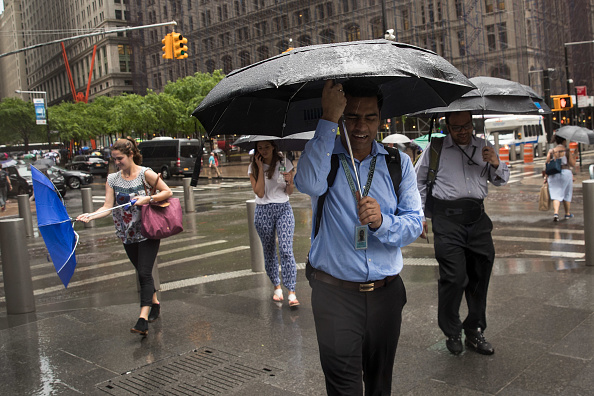 Shower「Torrential Storms Expected To Bring Up To 3 Inches Of Rain To New York City」:写真・画像(11)[壁紙.com]