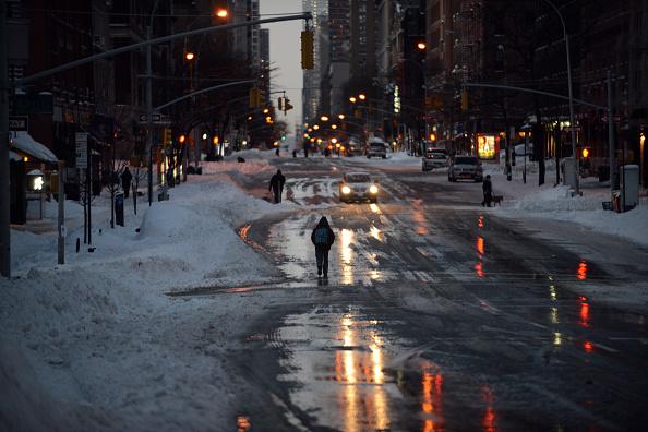2016 Winter Storm Jonas「Huge Snow Storm Slams Into Mid-Atlantic States」:写真・画像(10)[壁紙.com]