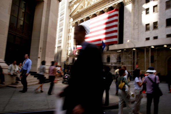 Dow Jones Industrial Average「Stocks Trade Higher Following Rate Cut」:写真・画像(1)[壁紙.com]