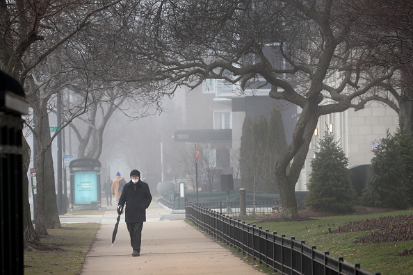 Illinois「Chicago Closes Lakefront Parks And Popular Walkways To Enforce Social Distancing」:写真・画像(0)[壁紙.com]