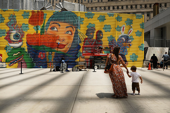 Graffiti「Street Artists Commissioned To Add Vibrant Murals Around World Trade Center Site」:写真・画像(2)[壁紙.com]