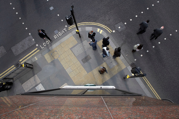 Above「Pedestrians, City of London, UK」:写真・画像(4)[壁紙.com]