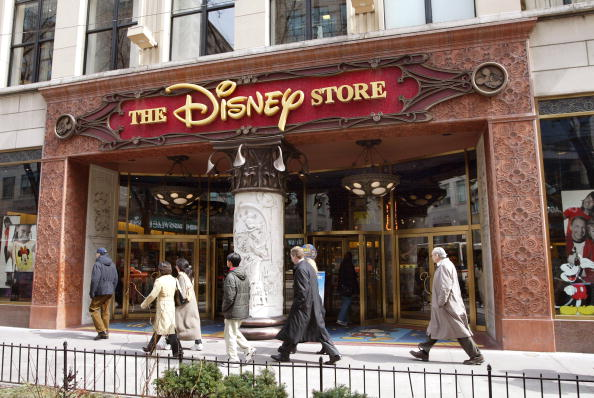 Mickey Mouse「Disney Plans To Sell Stores And Mighty Ducks」:写真・画像(0)[壁紙.com]