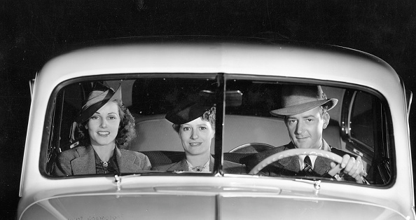 Bench「1939 Oldsmobile Driver And Female Passengers. Creator: Unknown.」:写真・画像(9)[壁紙.com]