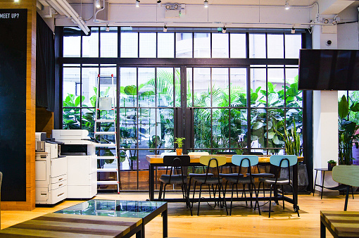 Open Plan「Co-working space in Hong Kong」:スマホ壁紙(4)