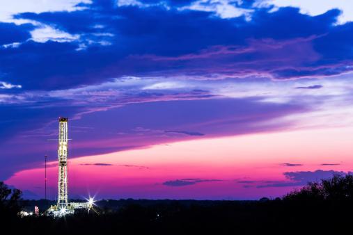 Power Supply「Shale oil rig at dawn.」:スマホ壁紙(10)