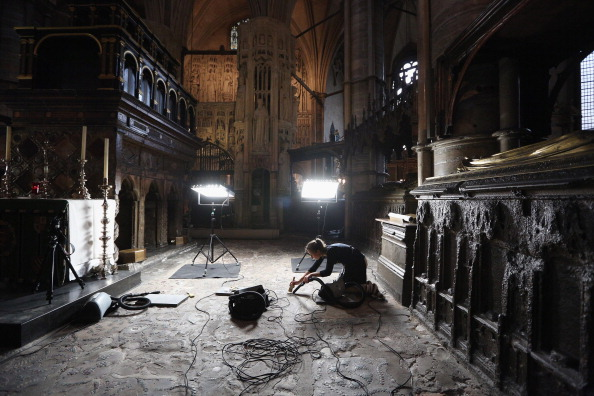 Place of Worship「Conservation Staff At Westminster Abbey Assess The Work Needed To The Tomb Of St Edward The Confessor」:写真・画像(6)[壁紙.com]