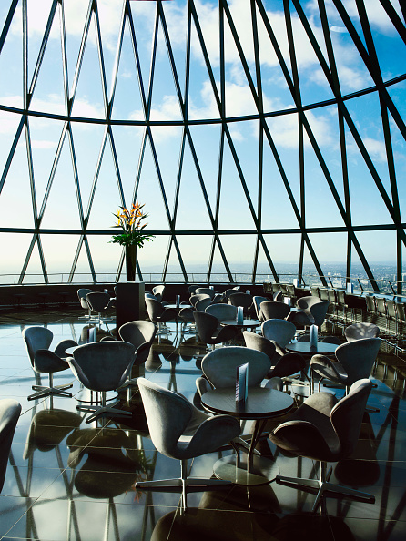 skyscraper「Restaurant at the top of 30 St Mary Axe, or the Gherkin, London, UK」:写真・画像(14)[壁紙.com]