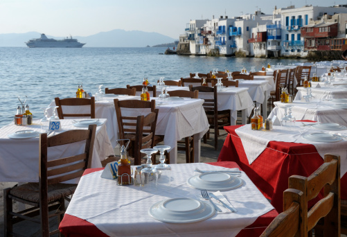 Cruise - Vacation「Restaurant Tables and Venetian houses in Mykonos, Greece」:スマホ壁紙(5)