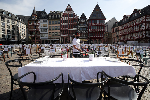 Frankfurt - Main「Restaurateurs Protest Lockdown During The Coronavirus Crisis」:写真・画像(15)[壁紙.com]