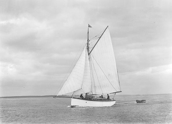 Cutting「The Gaff Rig Sailboat Bunty Close-Hauled」:写真・画像(14)[壁紙.com]