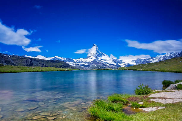 Sunny day with view to Matterhorn  - long time exporsure:スマホ壁紙(壁紙.com)